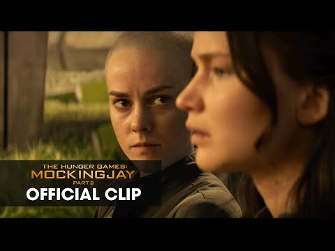 """The Hunger Games: Mockingjay Part 2 Official Clip – """"Old Friends"""""""