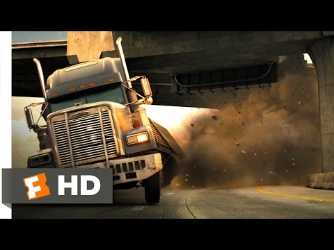 Live Free or Die Hard (4/5) Movie CLIP - Freeway Fighter (2007) HD